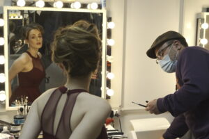 Shooting moda modella backstage