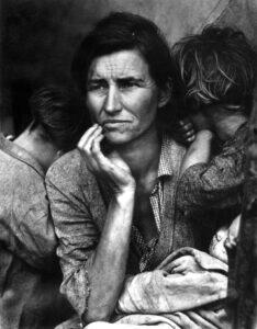 D.Lange, madre migrante
